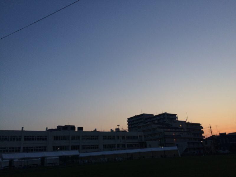 暑かった日の薄暮時の散歩